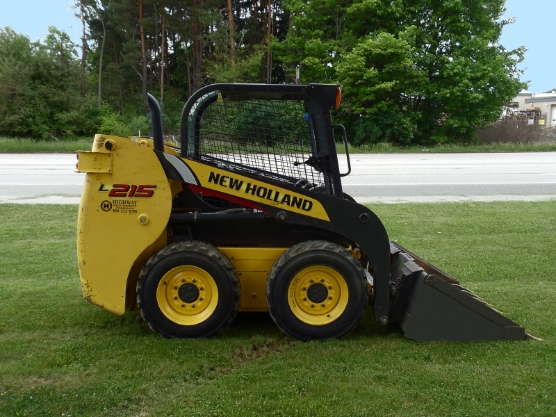 New Holland skidloader for rent