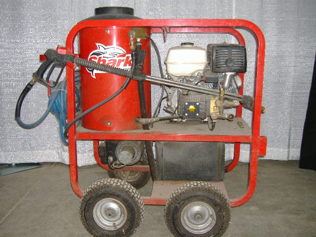 Pressure Washer 3000 PSI Hot