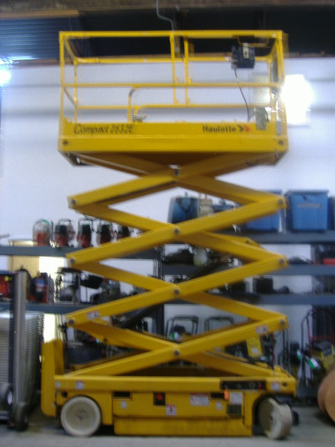 Scissor Lift 26' Platform Height