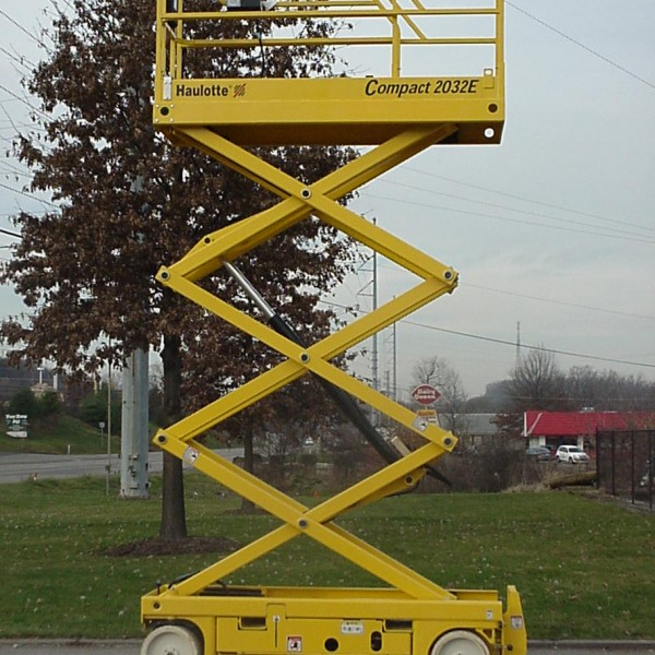 Scissor Lift 20' Platform Height