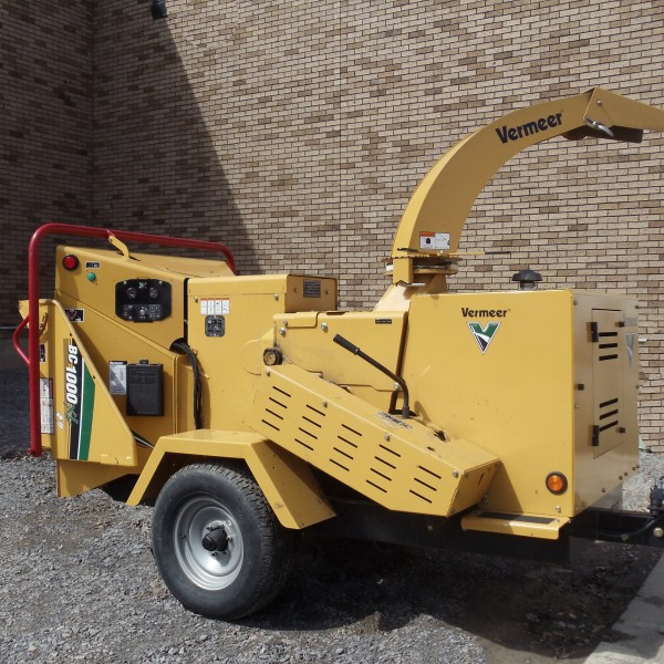 Wood Chipper 12'' (pintle hitch hookup)